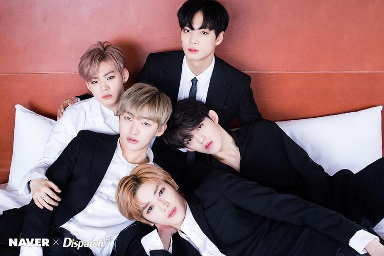 Dàn leader (nhóm trưởng) của thế hệ boygroup thứ 3 cùng nhau áp đảo tinh thần fangirl bằng thần thái xuất chúng.
