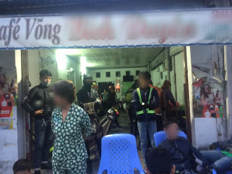 Đoàn phượt thủ 16 xe 28 người nghỉ qua đêm ở cafe võng với tổng chi phí 400k, sau đó lên mạng bóc phốt để rồi bị chỉ trích gay gắt