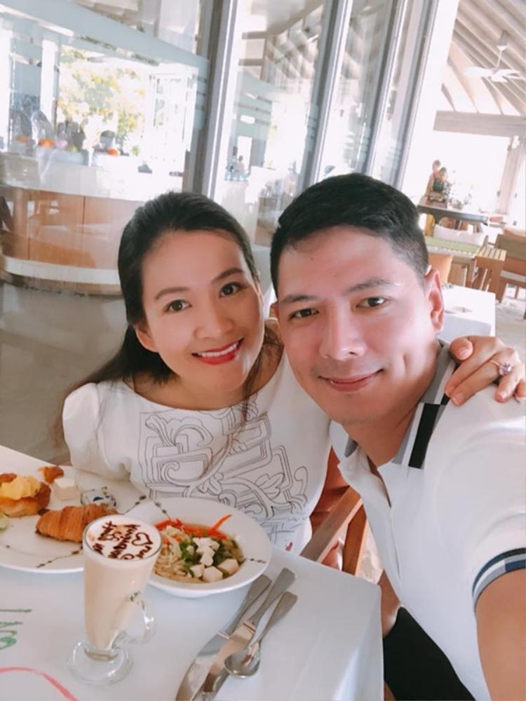 Vợ chồng Bình Minh lãng mạn kỷ niệm 10 năm ngày cưới ở quốc đảo thiên đường