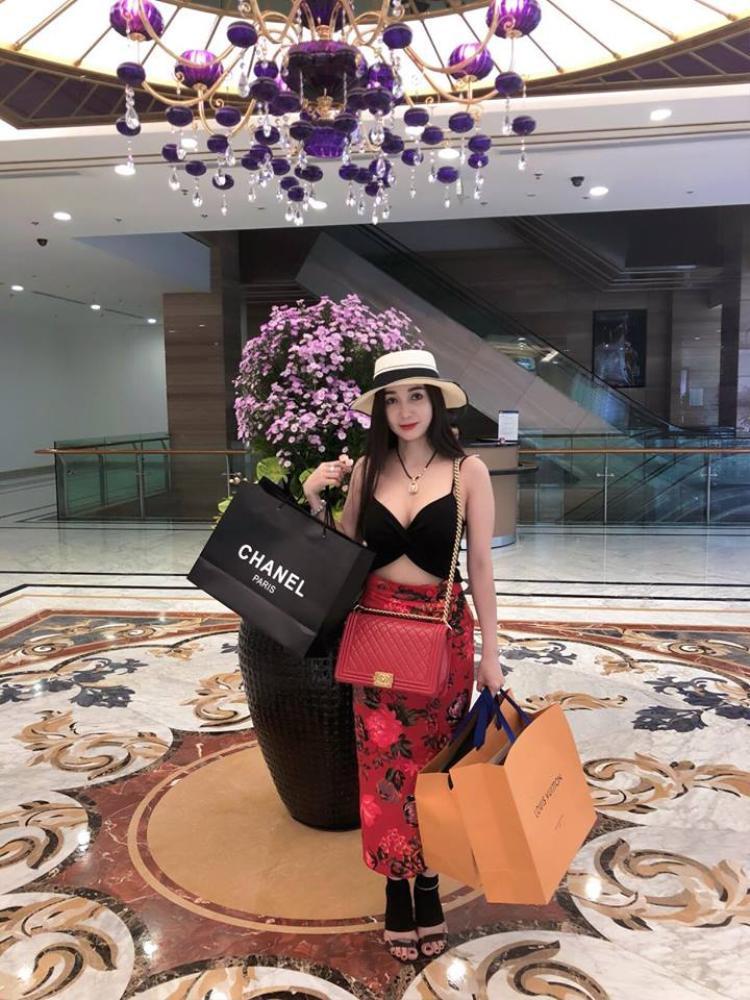 Hoa hậu doanh nhân người Việt Đông Nam Á  Hồng Tươi mạnh tay mở tiệc Thanks Party hậu đăng quang