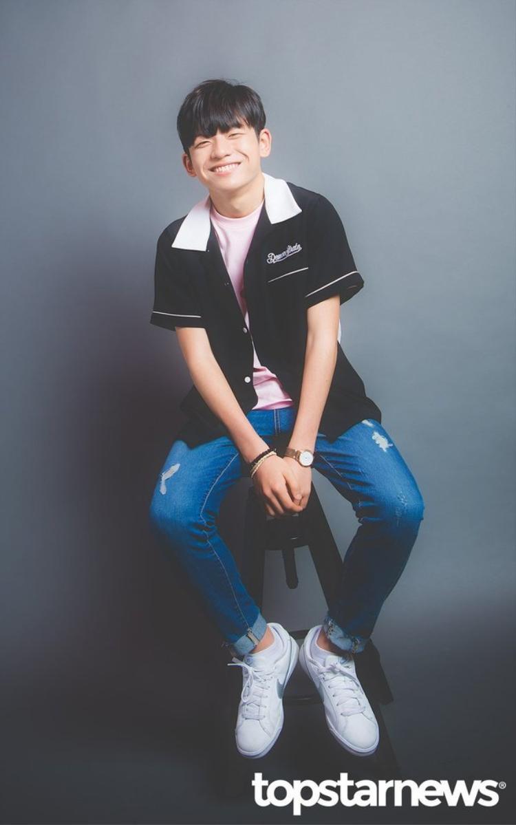 Liệu có ai nhận ra cậu bé Wang Seok Hyun đáng yêu ngày nào, giờ đã lớn nhanh như thế này?