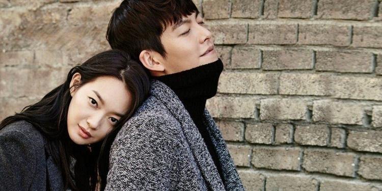 Shin Min Ah luôn ở cạnh để chăm sóc Kim Won Bin khiến nhiều người cảm động.