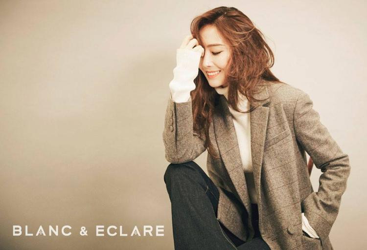 Jessica cũng kiêm luôn vị trí người mẫu ảnh mỗi khi ra mắt bộ sưu tập mới.