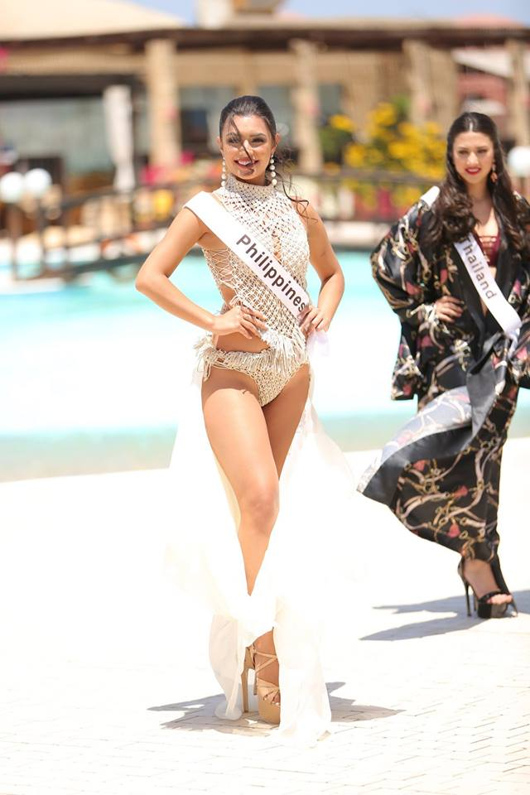 Top 10 thí sinh có phần trình diễn bikini đẹp nhất theo đó lần lượt là những cái tên quen thuộc. Đầu tiên là thí sinh đến từ Philippines, đây là một trong những thí sinh sở hữu ngoại hình không mấy nổi bật nhưng cô ghi điểm nhờ phong cách trình diễn ấn tượng.