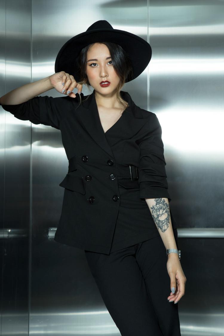 Fashionista Julia Đoàn…