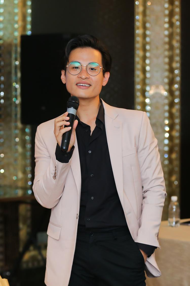 Hà Anh Tuấn thừa nhận kiệt sức sau show diễn riêng, tuy nhiên nam ca sĩ vẫn rất háo hức cho đêm nhạc Câu chuyện hòa bình 6.