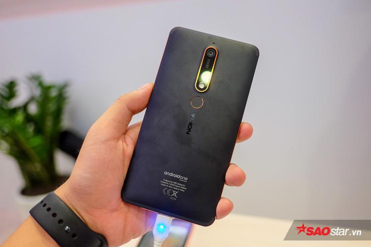 Nokia 7 Plus và Nokia 6 (2018) ra mắt tại Việt Nam, giá lần lượt 5,99 triệu đồng và 8,99 triệu đồng