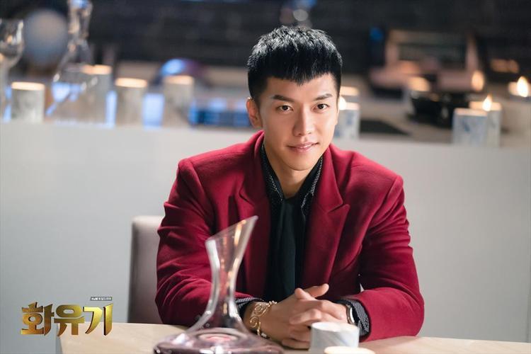 """Sau hiệu ứng mạnh mẽ từ Hoa Du Ký, Lee Seung Gi tiếp tục hứa hẹn """"khuynh đảo"""" truyền hình trong tháng 6 tới đây."""