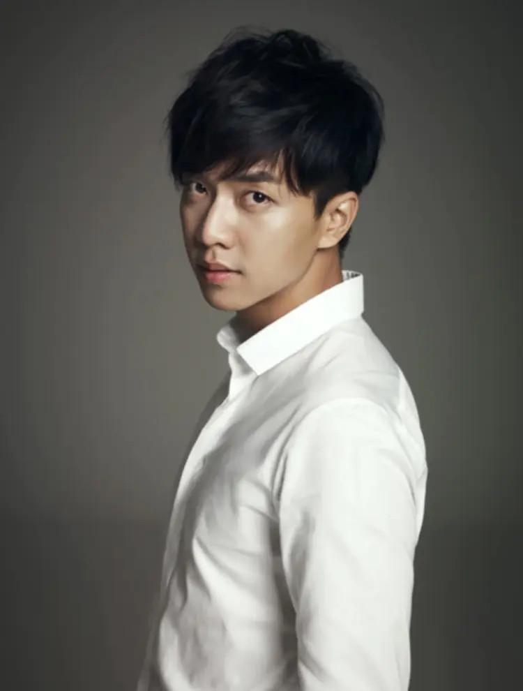 Lee Seung Gi trở thành MC Produce 48: Fan níu kéo anh ơi, đừng nhận!