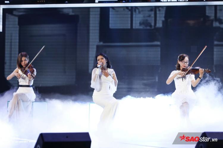 Hoàng Hải xuất hiện trong cảnh sắc giản đơn nhưng đủ để tạo nhiều cảm xúc trong ca khúc Biển dâu.