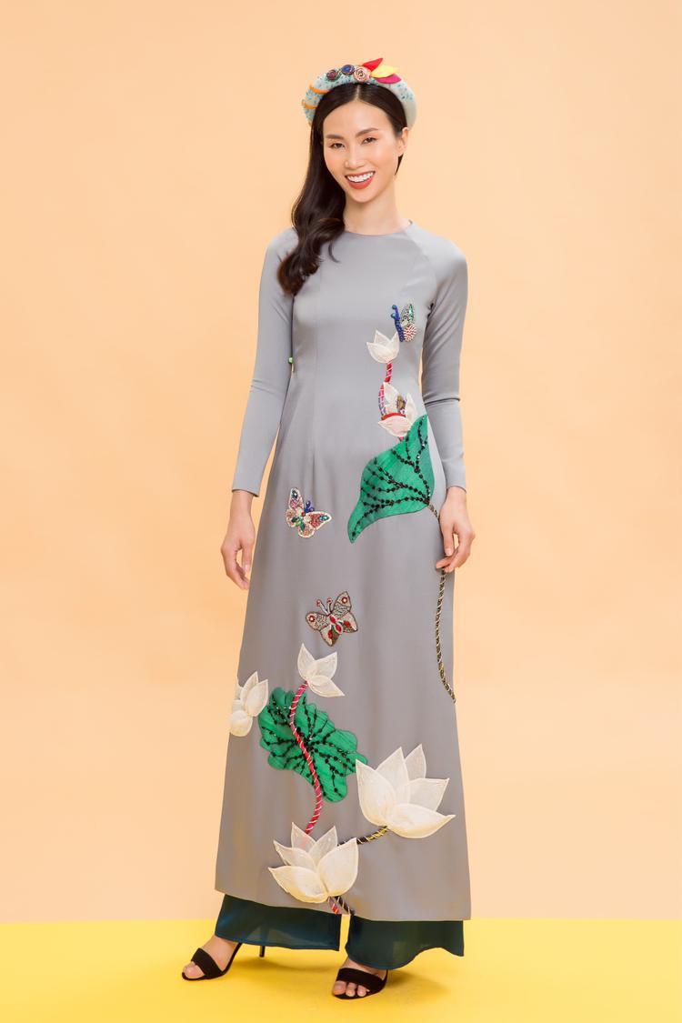 Một số thiết kế đính kết chi tiết bằng tay với nhiều chất liệu khác nhau.Mỗi nhà thiết kế có cách thể hiện khác nhau với chủ đề này. Nhà thiết kế Thủy Nguyễn tạo chi tiết hoa lá bằng vải, đính 3D trên thân áo.
