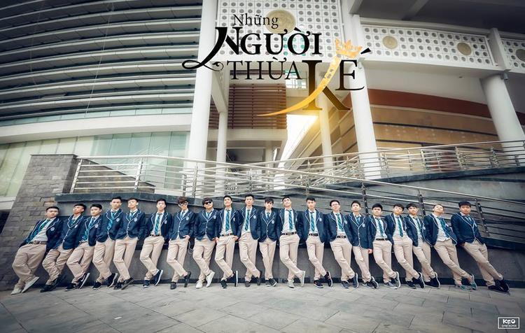 """Bộ ảnh mang tên """"Những người thừa kế của tương lai"""" của lớp 12A2, trường THPT Quảng Xương 2 - Thanh Hóa."""