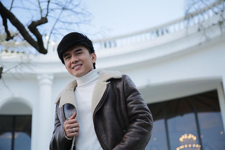 Lý giải chọn Sa Pa vì theo anh Bo cho biết, những chuyến lưu diễn nước ngoài gần đây khán giả hay hỏi anh và nhắc về Sa Pa như một địa điểm hot của Việt Nam. Vậy nên anh quyết định sẽ quay tại đây để giới thiệu cho fan của mình trong và ngoài nước.
