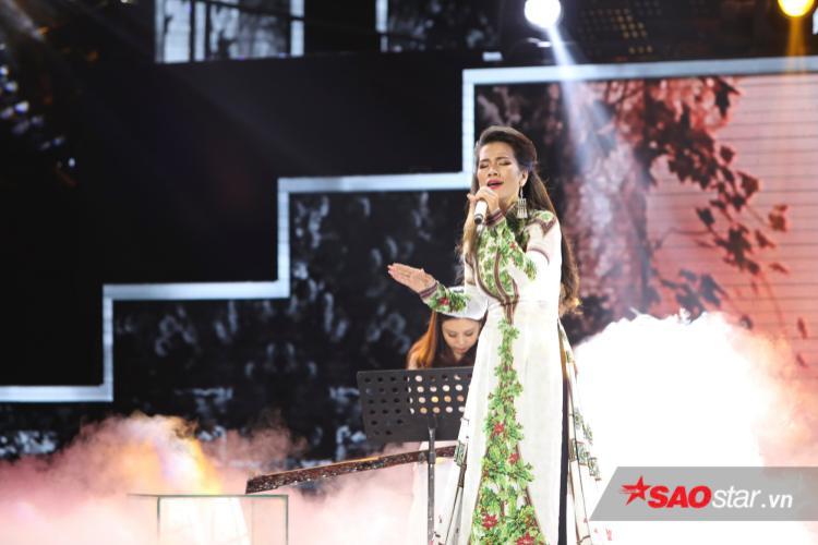 Thanh Tuyền Ebony mở màn da diết với ca khúc Nếu hai đứa mình.