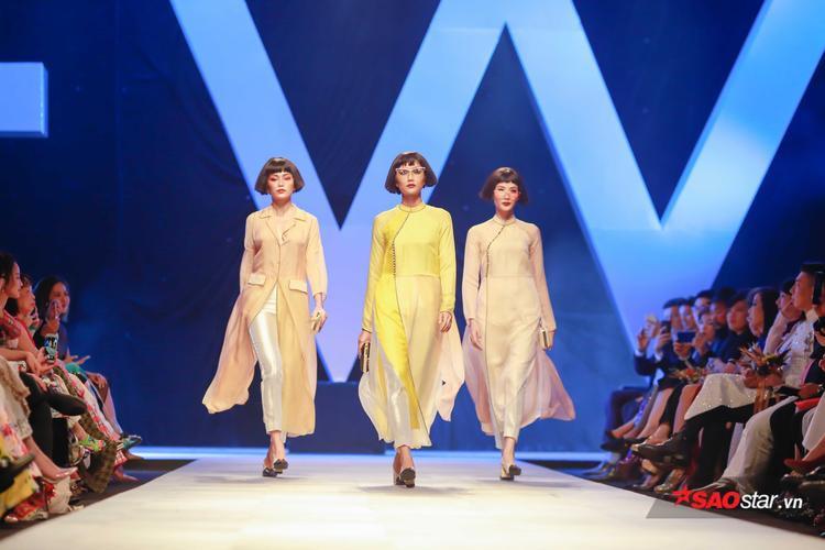 Đảm nhiệm vị trí mở màn không ai khác chính là top 3 Hoa hậu Hoàn vũ Việt Nam 2017: Mâu Thủy, Hoàng Thùy và H'hen Niê, cả ba đều diện những tà áo dài chất liệu xuyên thấu, tự tin catwalk giữa tiếng vỗ tay của khán giả.