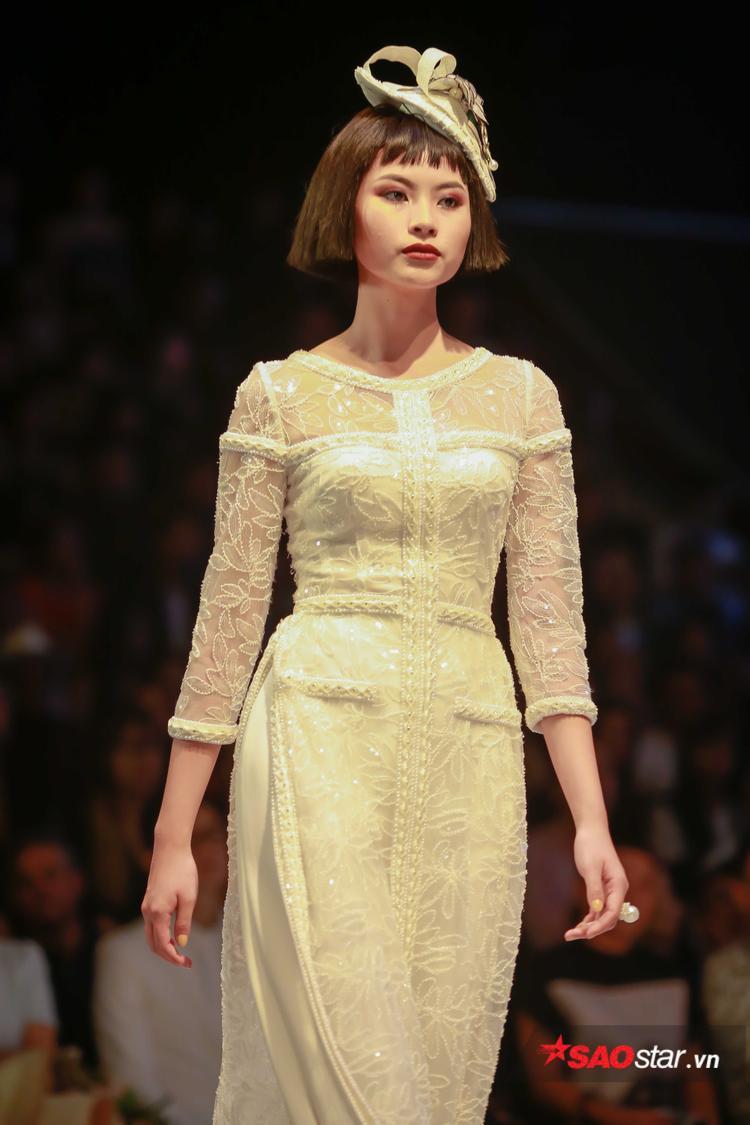 """NTK khẳng định, đây là những chiếc áo dài """"rất Chanel"""" mang tinh thần Công Trí."""