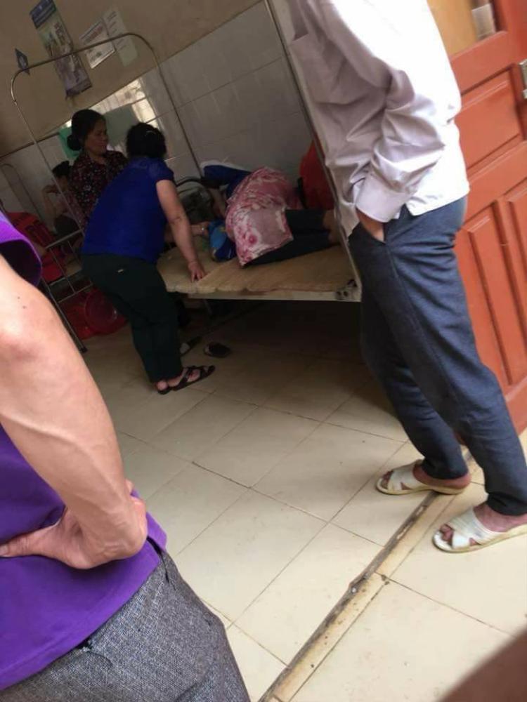 Thiếu phụ 19 tuổi sinh con xong một mình rồi lén bỏ trốn, để con lại bệnh viện.