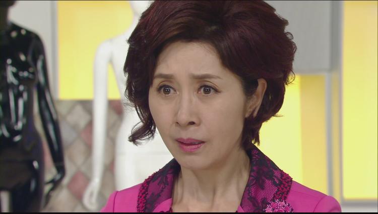 Diễn viên gạo cội Kim Hye Ok.