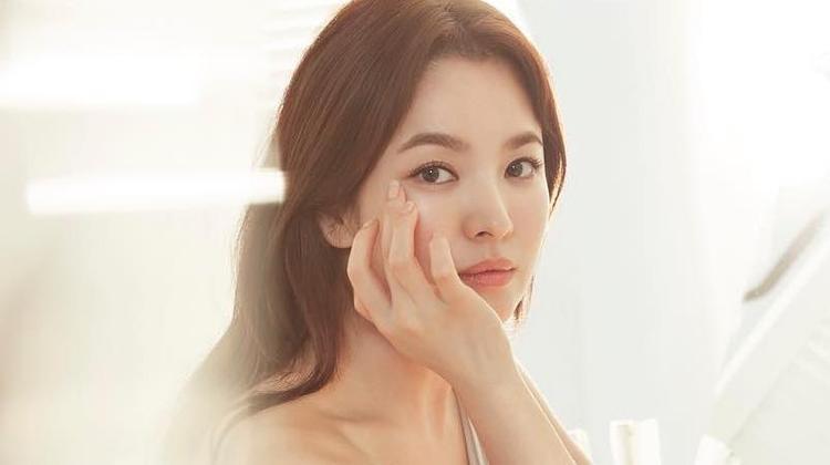 Song Hye Kyo từng bị quản lý cũ đòi tạt axit.