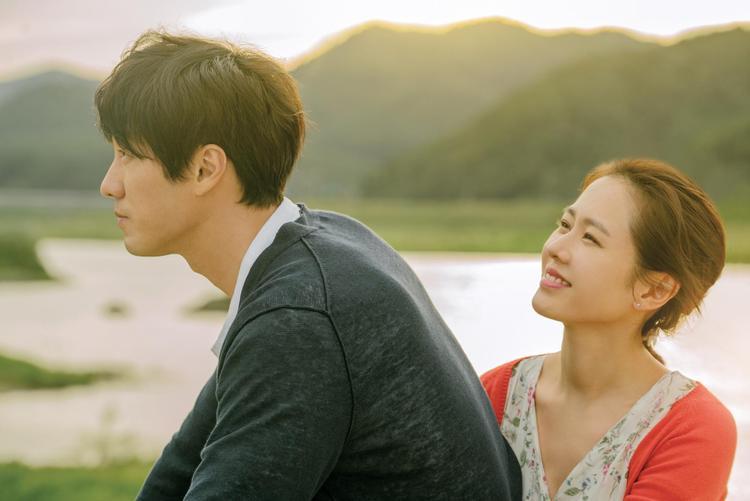 """""""Cặp vợ chồng"""" Ji Sub - Ye Jin tái hợp sau 17 năm qua tác phẩm điện ảnh """"Be With You""""."""