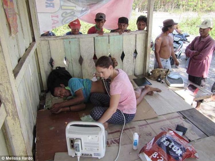 Nhà khoa học trẻ quyết tâm nghiên cứu về lá lách to bất thường ở người Bajau. Ảnh:Melissa Ilardo