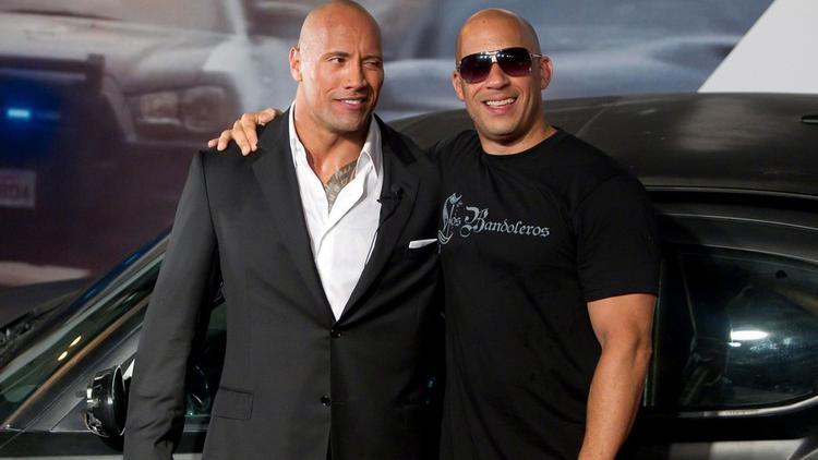 """Dwayne """"The Rock"""" Johnson và Vin Diesel tại buổi công chiếu The Fate of the Furious"""