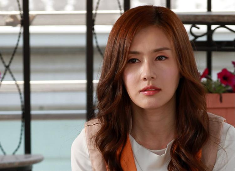Nữ diễn viên Kim Ji Soo.