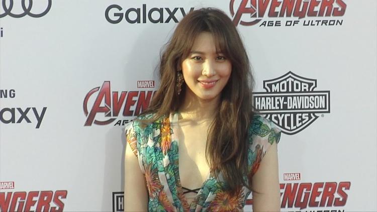 Nữ diễn viên Kim Soo Hyun hay còn gọi làClaudia Kim.
