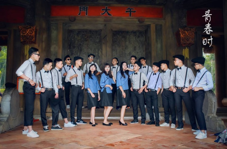 """Bộ ảnh kỷ yếu của lớp 12A1, trường THPT Thường Xuân 2 (Thanh Hóa) được lấy ý tưởng từ bộ phim ăn khách """"Tân bến Thượng Hải"""" (2007)."""