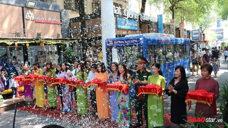 """Lễ ra mắt dự án xe buýt sách:""""Chuyến xe chở tri thức - Chở tương lai"""" đã diễn ra tại Đường Sách TP HCM"""