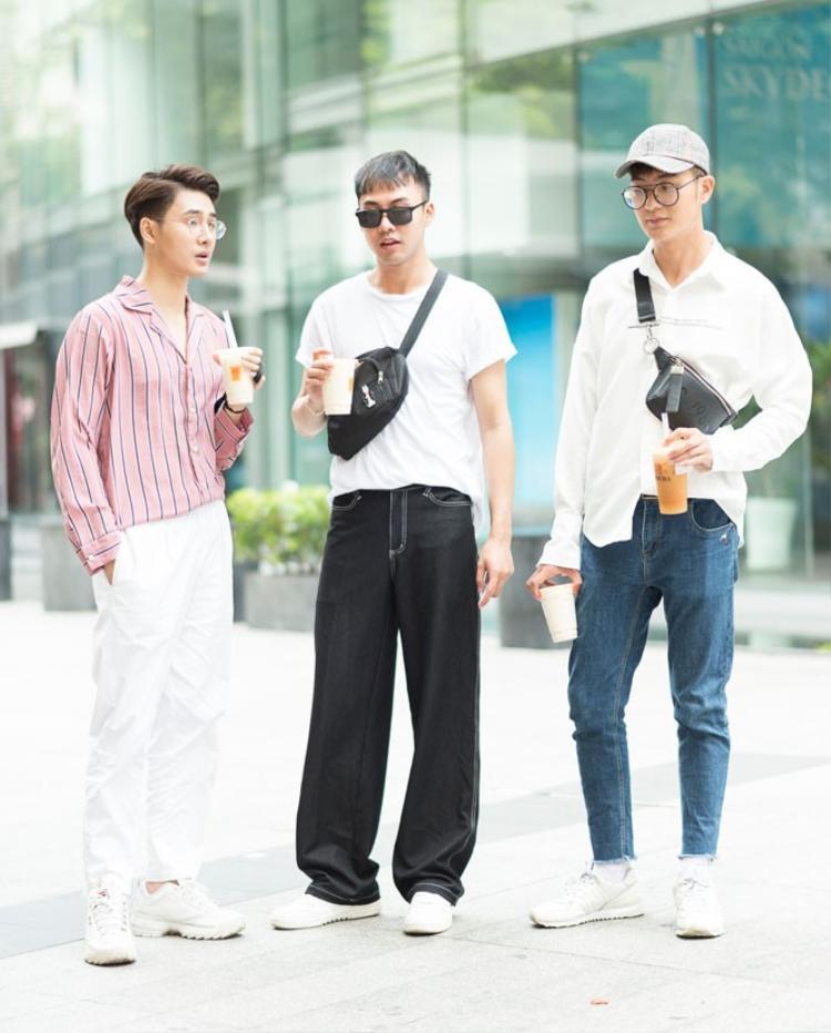 Á quân VNTM 2015 Võ Thành An cùng top 6 VNTM Đinh Đức Thành và diễn viên Nhâm Phương Nam đến với sự kiện The Best Street Style với set trang phục đơn giản.