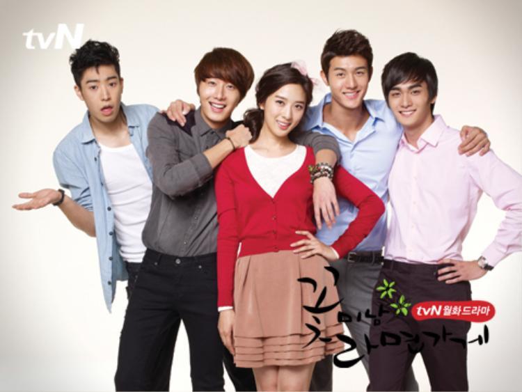 Lee Jung Ah khoe sắc bên bạn trai Lee Ki Woo, Jung Il Woo, Park Min Woo và Cho Yoon Woo.