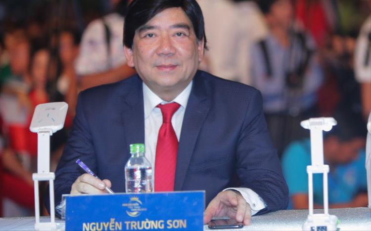 Nhà báo, đạo diễn Nguyễn Trường Sơn - Trưởng BGK.