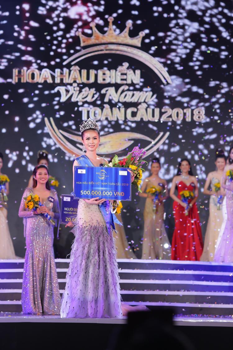 Người đẹp Kim Ngọc, 19 tuổi đến từ Kiên Giang đăng quang Hoa hậu Biển Việt Nam Toàn cầu 2018.