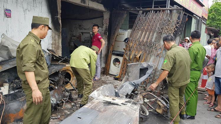 Nhiều tài sản trong nhà bị cháy rụi.
