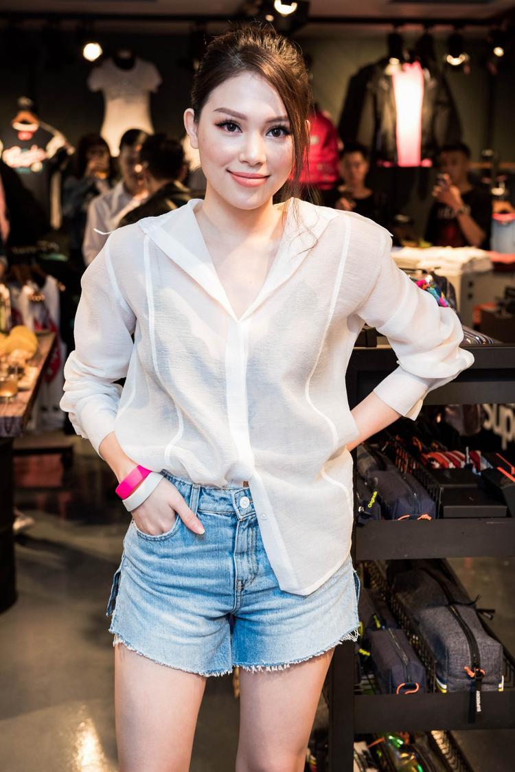Hot girl Linh Rin - người đẹp nhận được nhiều sự chú ý sau khi bước ra từ The Look.