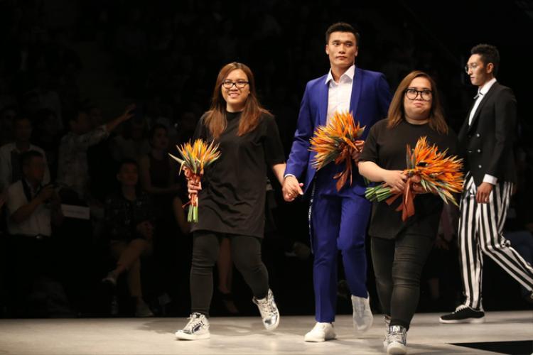 Bùi Tiến Dũng bất ngờ xuất hiện ở Tuần lễ thời trang quốc tế Việt Nam xuân - hè 2018.