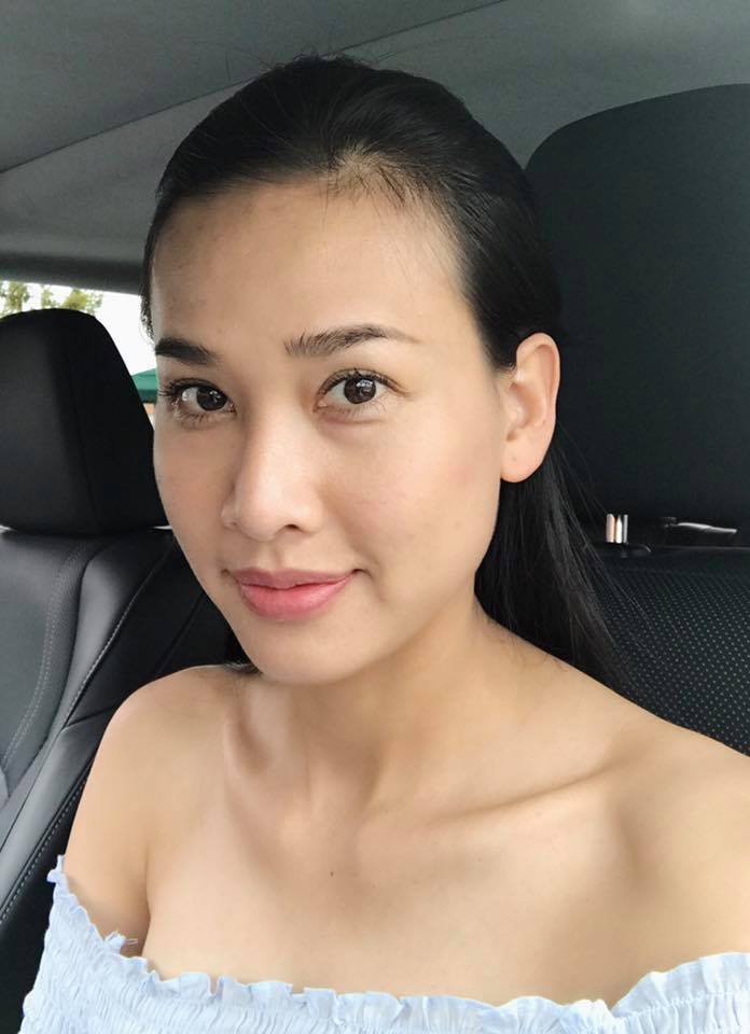 Nhưng gần đây Mỹ Linh xuất hiện hoàn toàn với gương mặt mộc đẹp không tì vết.