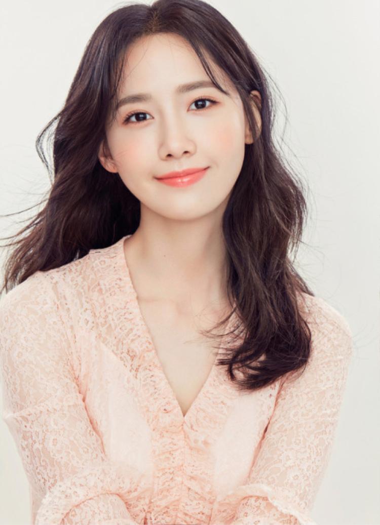 """Yoona vốn được biết đến nhờ nhan sắc nhẹ nhàng chuẩn """"ngọc nữ""""."""