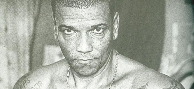 Pedro Rodrigues Filho nhai sống tim cha mình.
