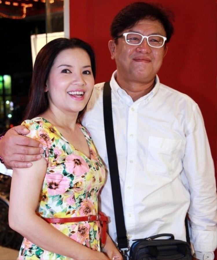 Diễn viên Ngọc Trinh bức xúc trước tin đồn đường ai nấy đi với chồng Hàn Quốc