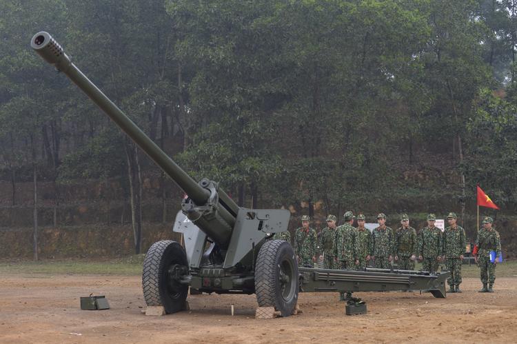 Hoàng Tôn và Gin Tuấn Kiệt sẽ trở thành chiến sĩ pháo binh.