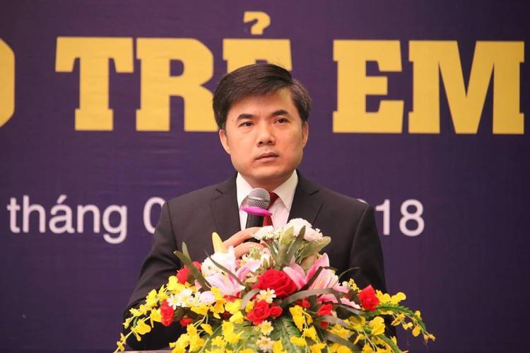 Ông Bùi Văn Linh, Vụ phó Phụ trách vụ Công tác Chính trị và học sinh sinh viên bộ GD&ĐT cảnh báo về Hội Thánh Đức Chúa Trời. Ảnh: Người đưa tin.