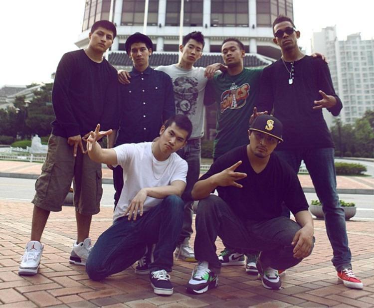 Từ nhỏ, anh chàng đã bộc lộ năng khiếu về Hip Hop, đặc biệt là nhảy (Break dancing). Trong những năm trung học, Jay Park từng tham gia Art of Movement (AOM) - một nhóm nhảy ở Seattle.