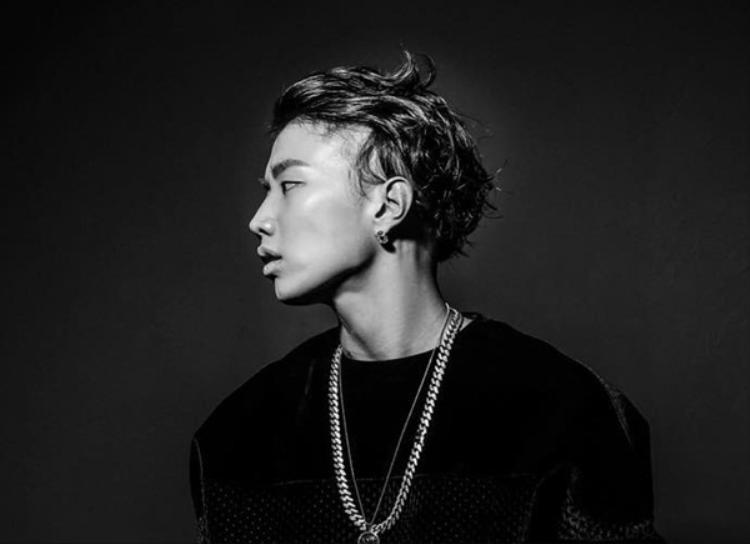 Jay Park bắt đầu bằng 1 kênh Youtube của riêng mình, anh đã đăng tải bản cover Nothing But You của B.o.B. Tuy nhiên, do bị chặn bản quyền nên video bị xóa nhưng ước tính số lượng view lên đến hàng triệu, đặc biệt nam ca sĩ còn nhận được sự chú ý từ B.o.B.