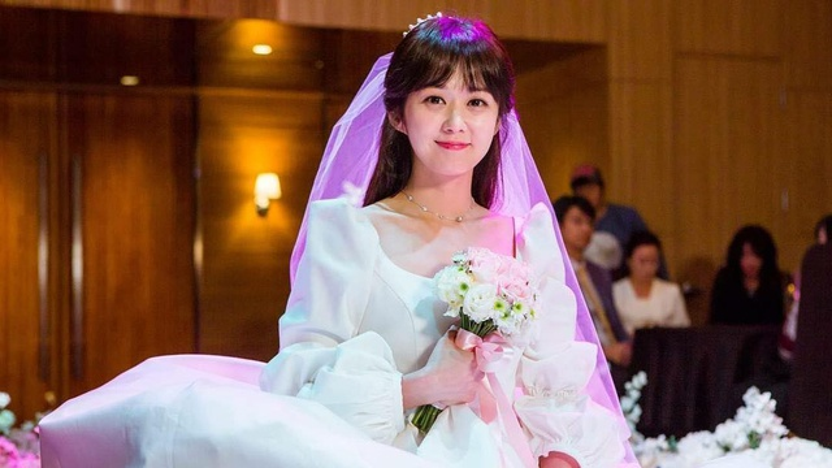 """Jang Nara xinh xắn trong phim """"Cặp đôi vượt thời gian"""" (2017)."""