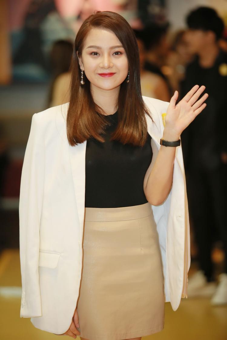 Cô bé Tam Triều Dâng năm nào nay đã trưởng thành, nữ tính và tài năng.