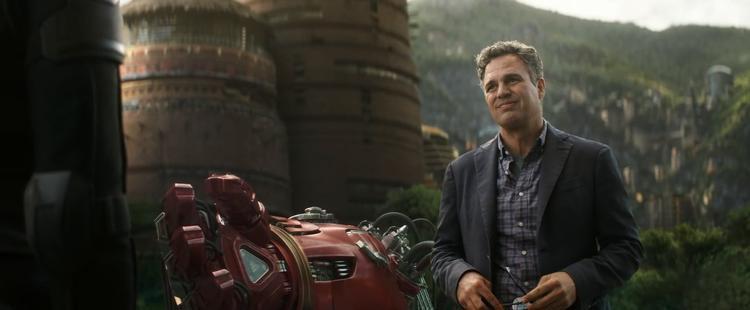 Nhận xét đầu tiên về Avengers 3: Quá choáng ngợp. Phim làm tôi cười nắc nẻ, hú hét hoặc khóc trong suốt 160 phút