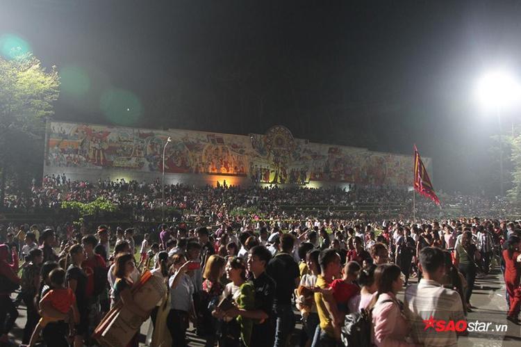 Lễ hội Đền Hùng (Phú Thọ) được tổ chức vào tháng 3 Âm lịch hàng năm là dịp để con cháu tưởng nhớ các vua Hùng đã có công dựng nước.