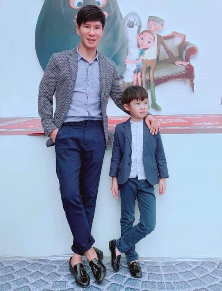 Con trai lớn của nam ca sĩ Lý Hải - Nguyễn Hạo Nhiên, được biết theo nghĩa Hán Việt là người sống ngay thẳng, chính trực. Riêng tên ở nhà - Rio có nguồn gốc từ tiếng Tây Ban Nha dịch ra là con sông, nước hợp với mệnh mộc của bé và còn bao hàm tên mẹ Minh Hà.